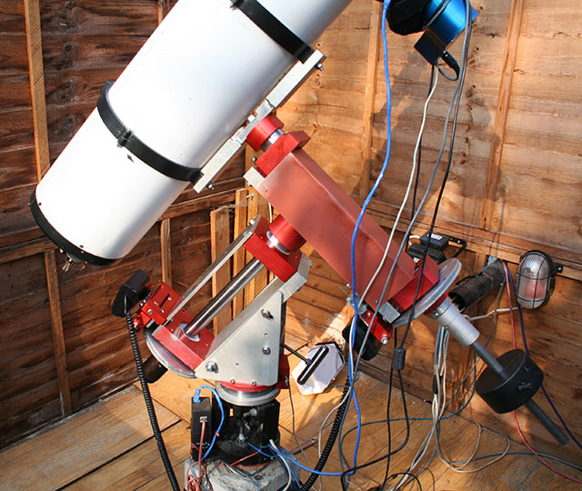 homemade telescope mount in observatory