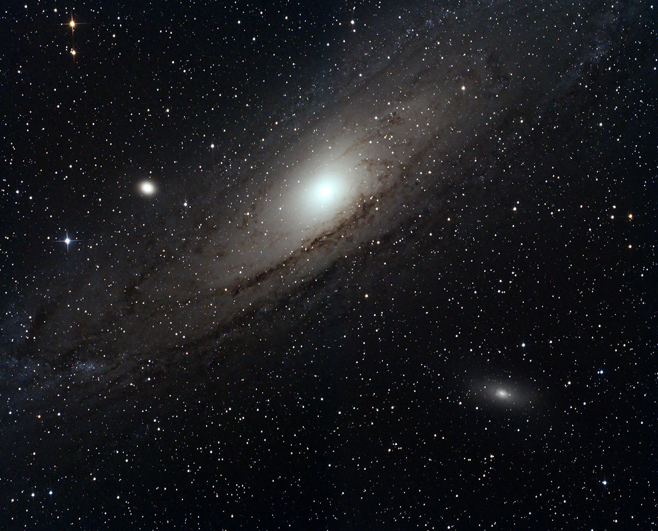 Veiw full sized image of Andromeda Galaxy